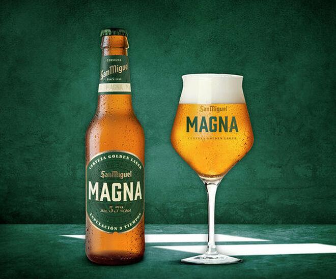 copa y botella san miguel magna - CERVEZA TIPOS VARIEDADES